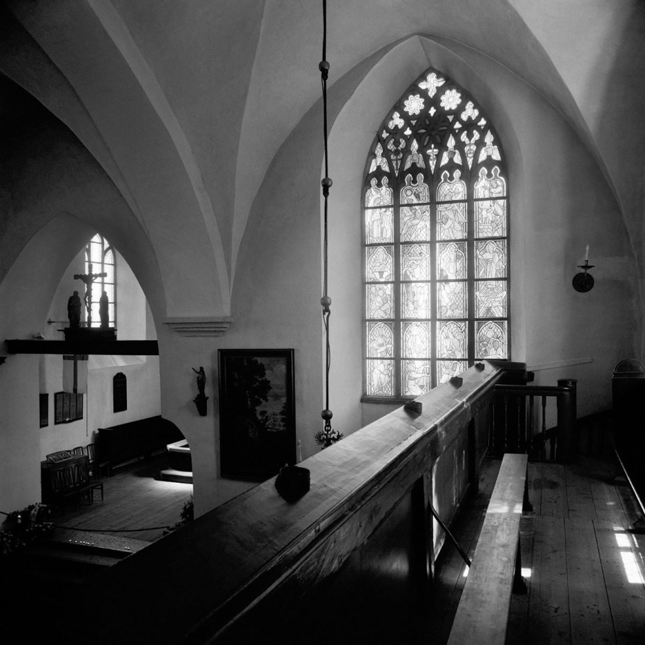 30. Dolores Hoffmann. Stained glass windows. 1987–1996. Church of the Holy Spirit. Tallinn, Pühavaimu 2.